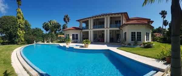 seniors beach villa in hideaway