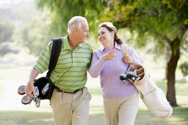 seniors golfing in DR