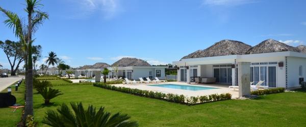 row of villas at the VIP Seniors Camp DR
